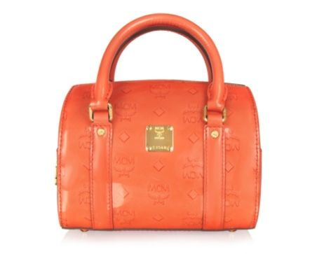 MCM Ivana Patent Baulettotasche aus Lackleder in orange