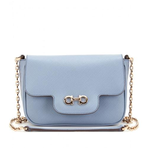 Fancy Textured Leather Shoulder Bag von Salvatore Ferragamo Blau